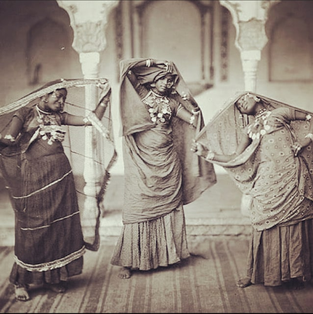 dancinggirls